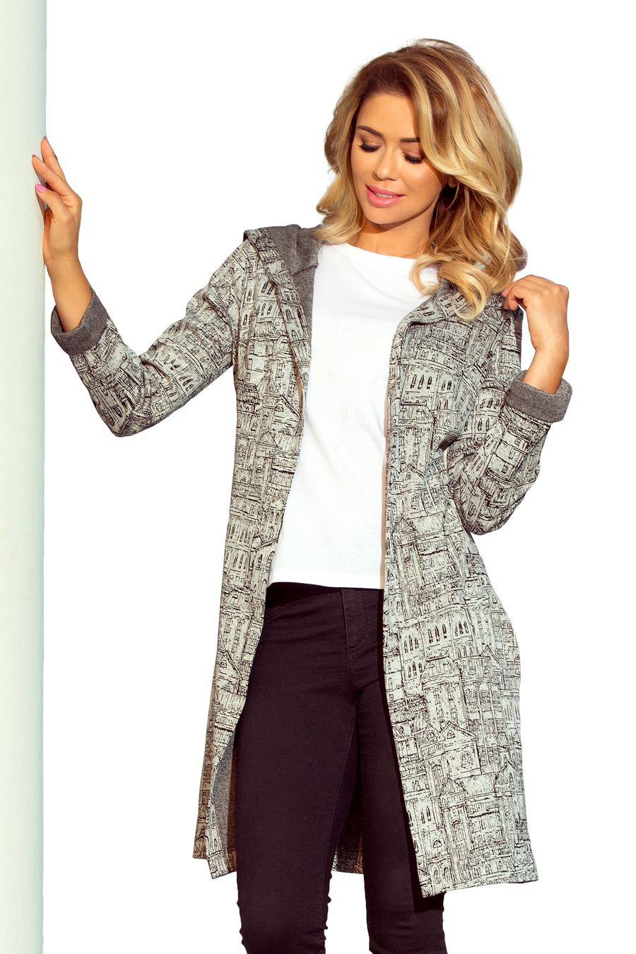 218-1 Coat with hood and pockets - city